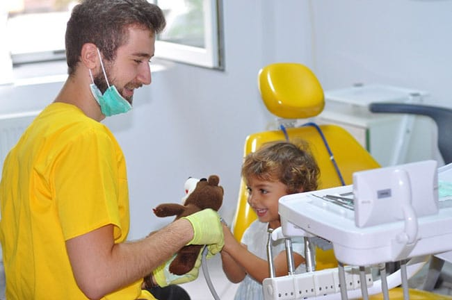 Stomatologie pentru copii - Pedodonția | essentialdent.ro